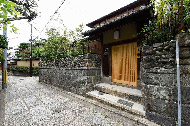 石塀小路の旅館