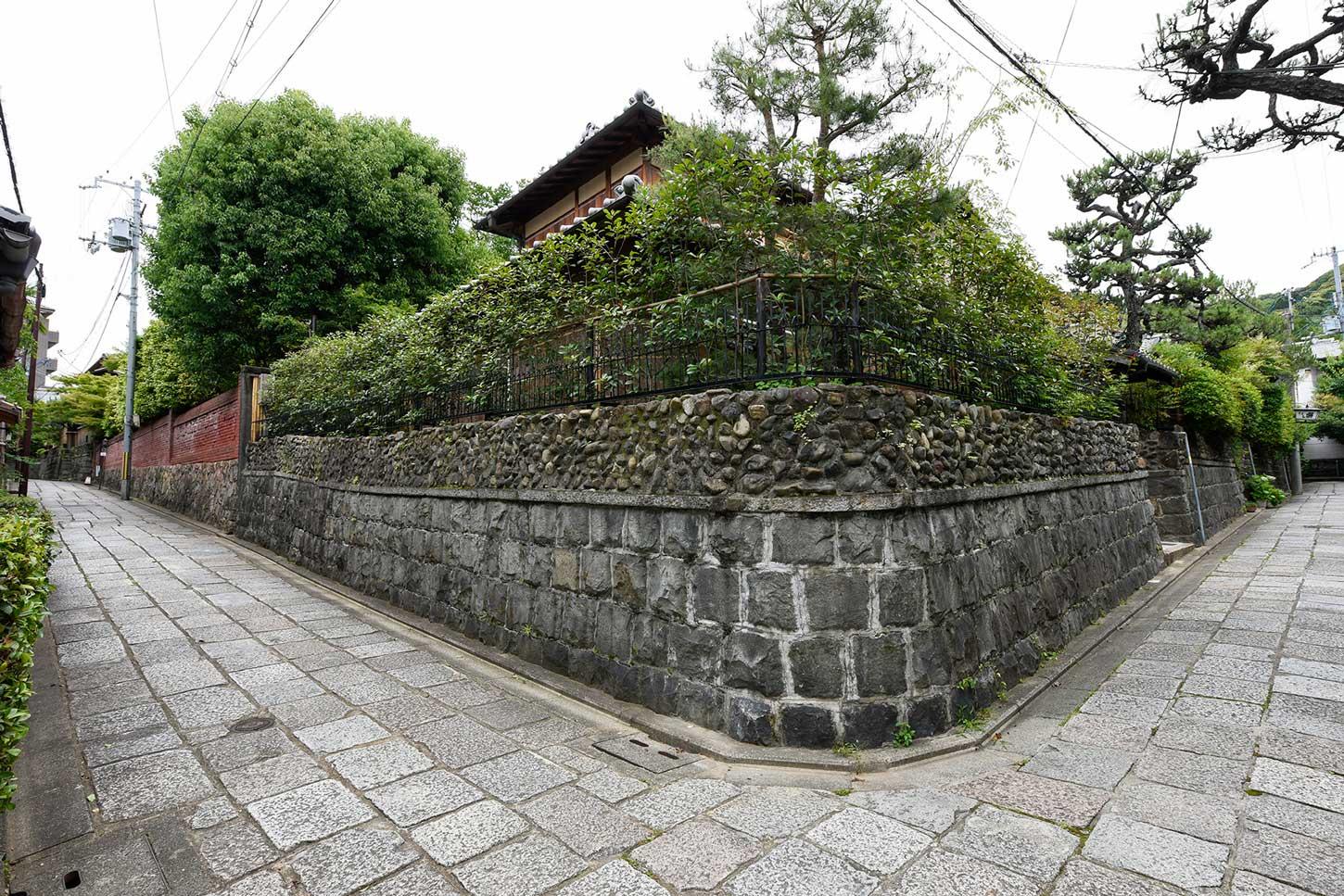 石塀小路の旅館_外観