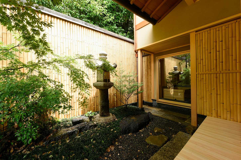 石塀小路の旅館_庭園